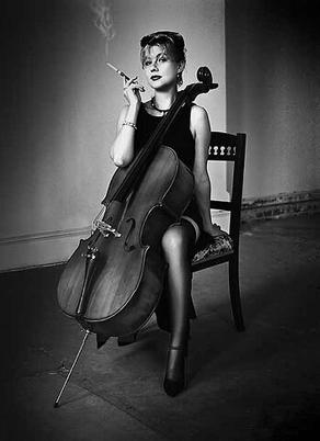 Femme_violoncelle3